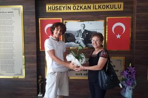 Çine Mustafa Türkoğlu Ortaokulu öğrencisi Mehmet Şimşek, Liselere Geçiş Sınavı'nda (LGS) elde ettiği başarı ile ilçeye gurur yaşattı.