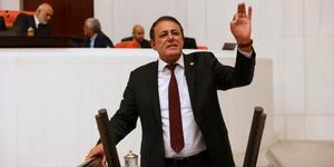 """CHP Aydın Milletvekili Hüseyin Yıldız, AK Parti iktidarına eleştirilerde bulunarak, """"Tütün üreticimiz ürününü sattıktan sonra evini yeniliyordu, çocuğunu evlendiriyordu, yatırımını yapıyordu ama maalesef siz iktidara geldikten sonra çiftçiyi yok ettiniz"""" dedi."""