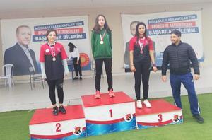 Ulu Önder Mustafa Kemal Atatürk'ün Aydın'a gelişinin 89. yıldönümü münasebeti ile gerçekleştirilen koşu yarışmasında Çineli öğrenciler dereceye girme başarısı elde etti.