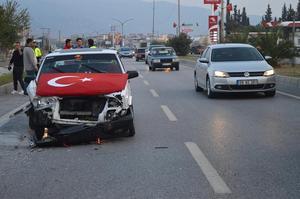 Çine Adnan Menderes Bulvarında meydana gelen trafik kazasında araçlar kullanılmaz hale gelirken kimsenin yara almaması sevindirdi.