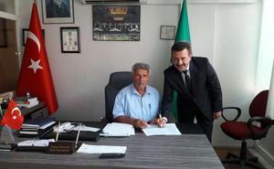 Özkan Atıgan( Çine Ziraat Odası Başkanı) - Mehmet Bilaloğlu (VakıfBank Çine Şube Müdürü)