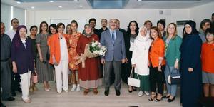 Aydın Ticaret Odası'nın eski hizmet binası, Aydın Valiliği tarafından Portakal Çiçeği Ergen Danışma Merkezi'ne dönüştürüldü. Merkezin açılışı Aydın Valisi Yavuz Selim Köşger'in de katıldığı bir törenle gerçekleştirildi.