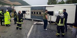 Muğla'nın Milas ilçesinde yolcu otobüsünün devrilmesiyle meydana gelen kazada ağır yaralanan Kamil Evren de hastanede hayatını kaybetti. Evren'in ölümüyle kazada ölenlerin sayısı 3'e yükseldi.