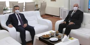 Aydın Valisi Hüseyin Aksoy, Efeler Belediye Başkanı Mehmet Fatih Atay'a iade-i ziyarette bulundu.