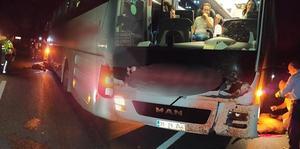 Çine'de meydana gelen trafik kazasında yolcu otobüsü ineğe çarptı. Kazada inek telef oldu, otobüste maddi hasar meydana geldi.