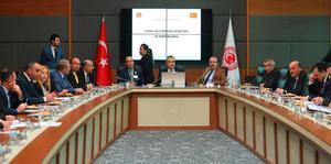 AK Parti Aydın Milletvekili Mustafa Savaş, TBMM Kamu İktisadi Teşebbüsleri (KİT) Komisyonu Başkanlığına yeniden seçildi.