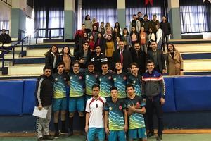 Aydın'da kapalı spor salonu olmayan tek ilçe olan Karpuzlu'da eğitim alan öğrenciler spor müsabakalarında almış oldukları başarılar ile göz doldurmaya devam ediyor.